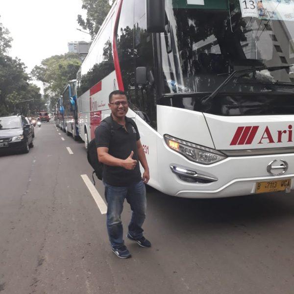 rental bus solo