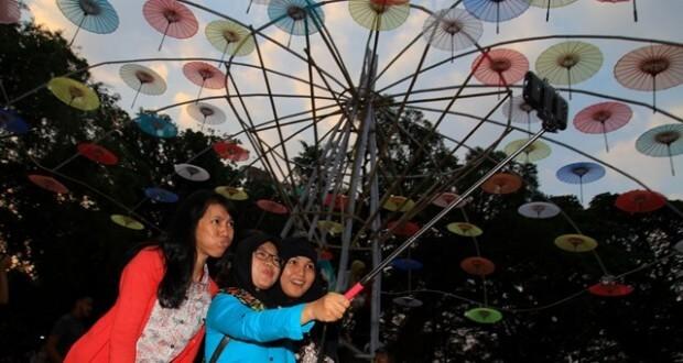 festival-payung-taman balekambang solo