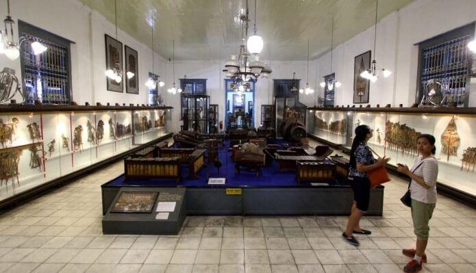 ruangan di museum radya pustaka solo